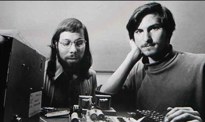 Steve jobs hires Linus Torvalds